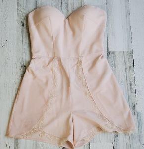 💥Blush/soft pink BEBE romper in a size 4